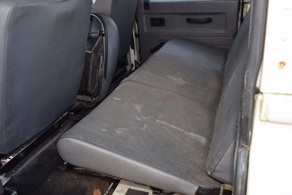 Fahrzeugaufbereitung Innenreinigung Polster Sitze vorher